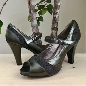 Sofft Olive Green & Gray Leather Heels, Size 9